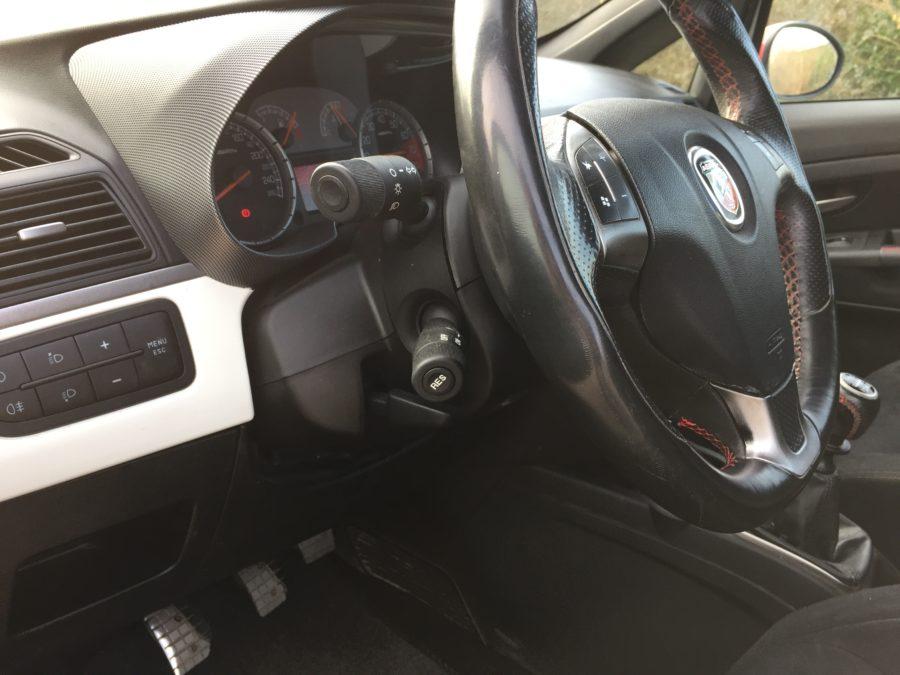 IMG 0281 900x675 - Fiat Grande Punto Abarth 1.4 Turbo 156PK 3DRS! Red White Edition 2007!