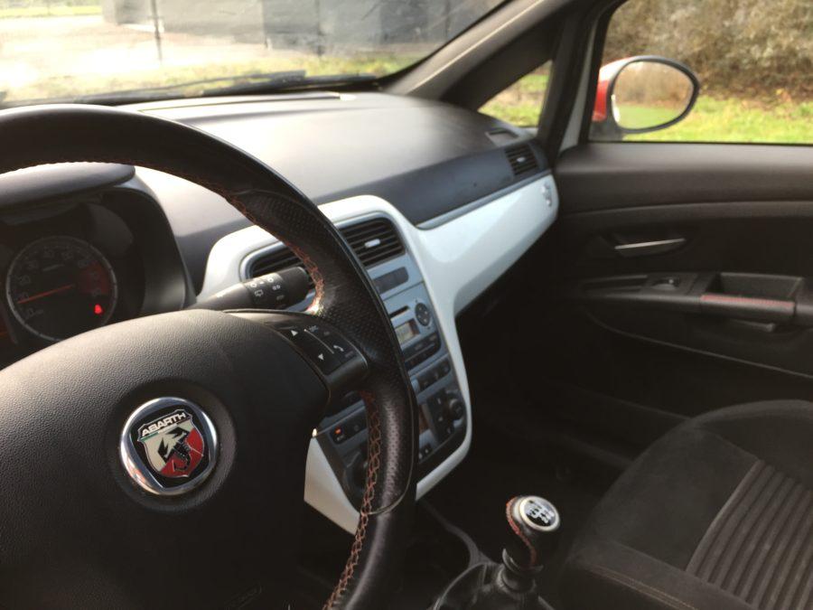 IMG 0282 900x675 - Fiat Grande Punto Abarth 1.4 Turbo 156PK 3DRS! Red White Edition 2007!